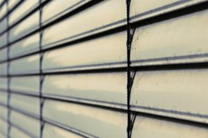 L'installation de rideaux coupe-feu : quels avantages ?