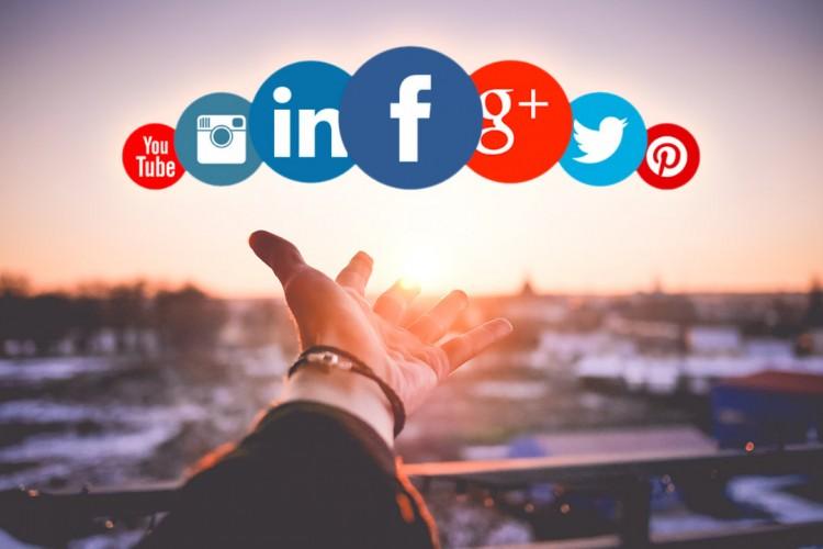 Découvrez 5 outils pour vous aider à sourcer des candidats sur les réseaux sociaux