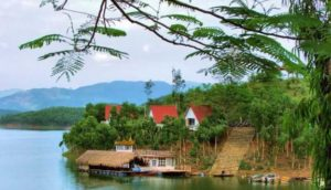 paysage le lac Thac Ba