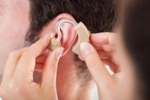 Comment bien choisir sa prothèse auditive ?