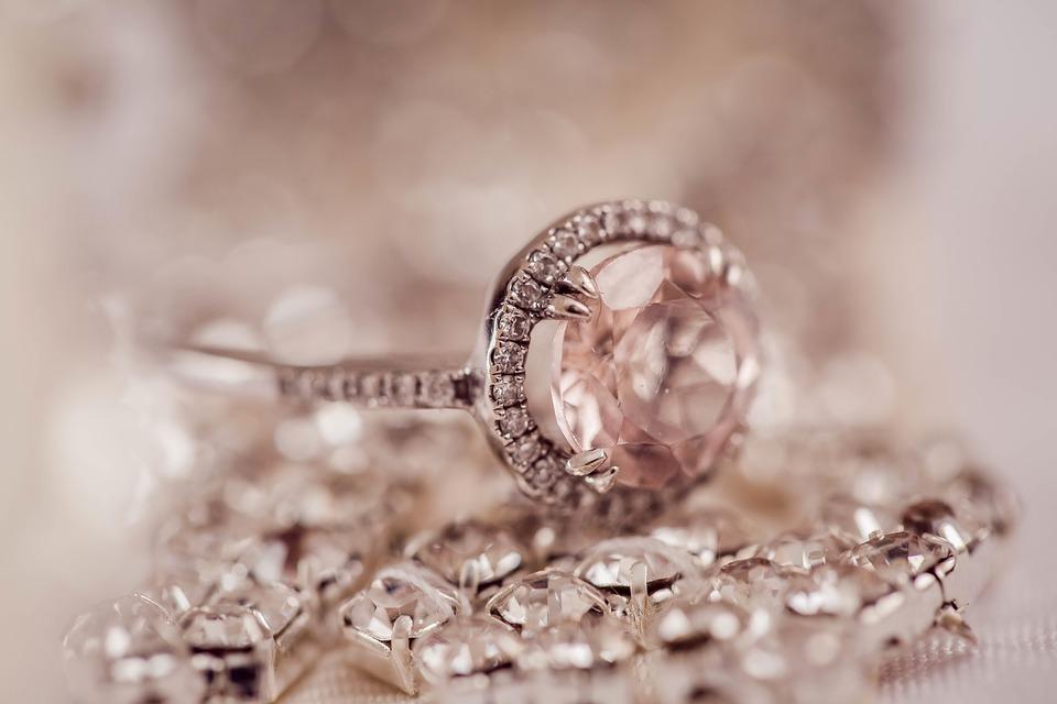 Les critères de choix d'une bague de fiançailles