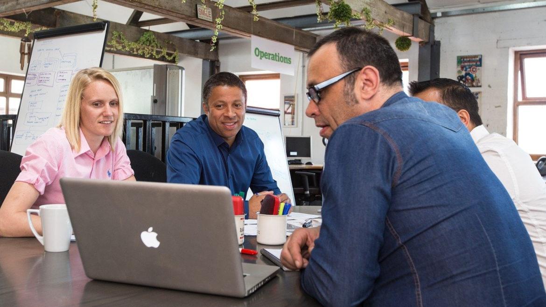 Pourquoi louer un bureau dans un espace de coworking ?