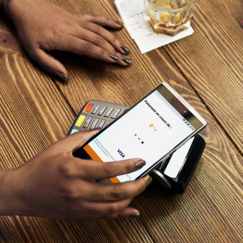 Services de banque en ligne : moins coûteux que ceux proposés par les agences physiques